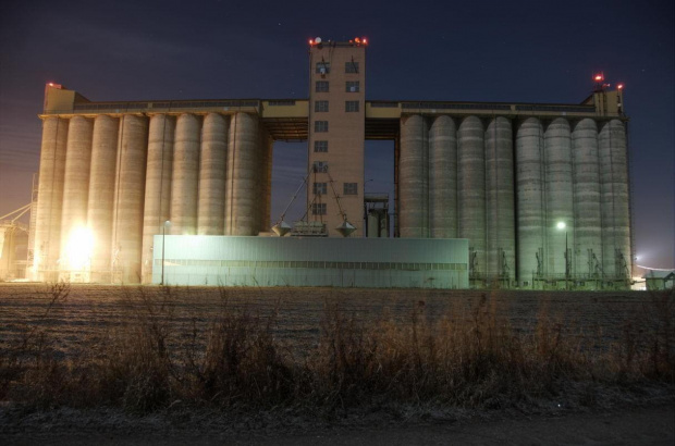 #elewator #zbożowy #zboże #magazyn #noc #nocą #leszno #lasocice
