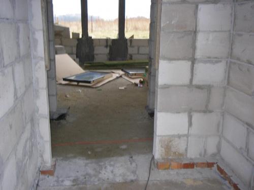 Ta ścianka była poprawiana... coś nie za bardzo wyszło na początku... Drzwi główne były po lewej stronie a drzwi wew. po prawej... i zabrakło miejsca na szafę... nie mogłam na to pozwolić >) #BudowaAgatkaIngProjekty