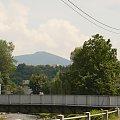 Głuchołazy (Opolskie) - widok na Kopę Biskupią (890m) #BiskupiaKopa #GóryOpawskie #pogranicze #Głuchołazy #Ziegenhals #Sudety #most #góry #widok #ŚląskOpolski #Opolszczyzna